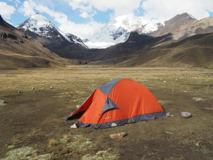 Notre tente au pied du Huayna Potosi