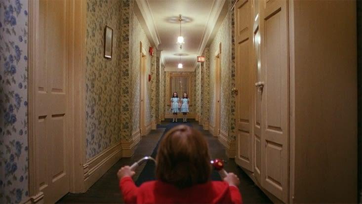 François découvrant les couloirs de l'établissement