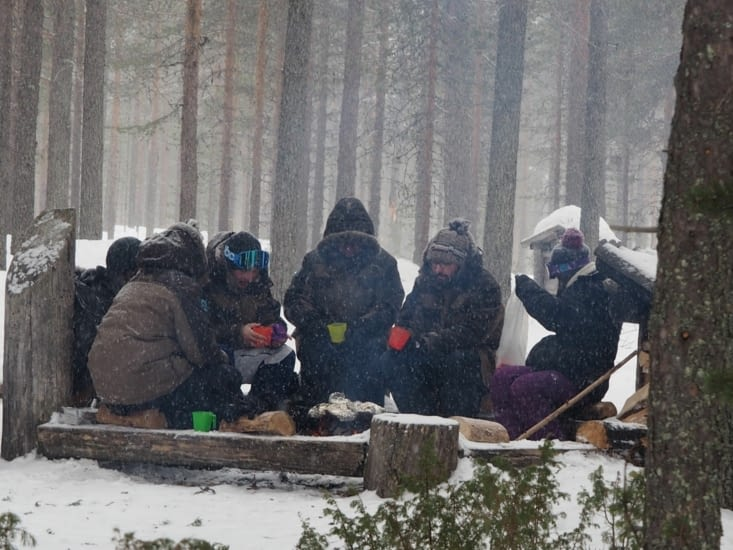 Deuxième repas autour du feu