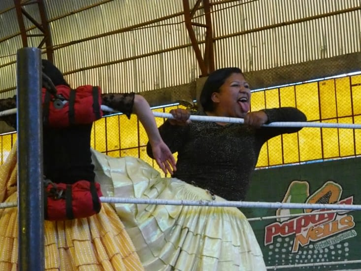Les cholitas combattent dur sur les rings d'El Alto