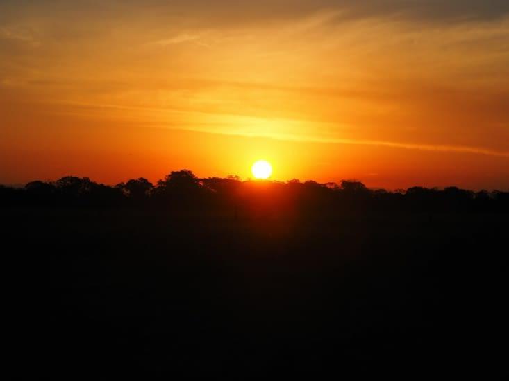 Coucher de soleil sur la pampa bolivienne