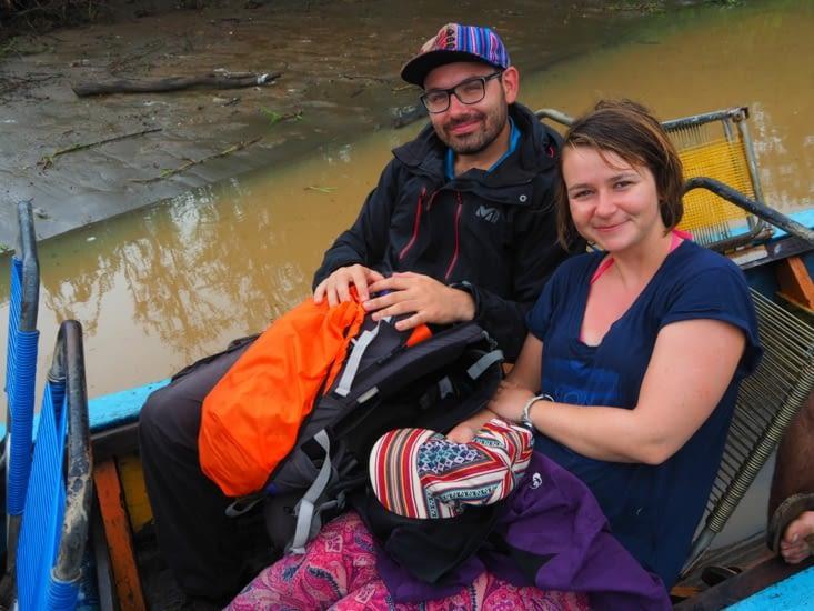 Depuis notre pirogue pour arpenter les rivières de la pampa