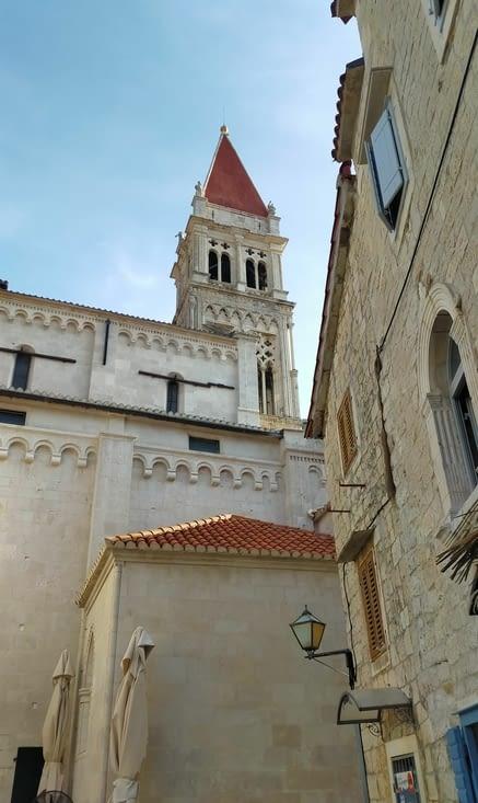 Vue sur le clocher de la cathédrale