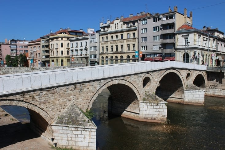 Le pont latin