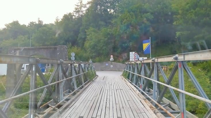 Le pont à passer juste après les douanes