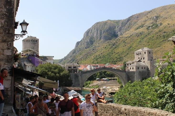 """le """"stari most"""" - vieux pont - vu depuis le quartier ancien"""