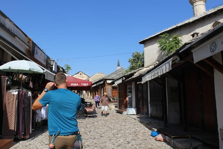 Rues du vieux centre où l'on retrouve les commerces de souvenirs et les restaurants