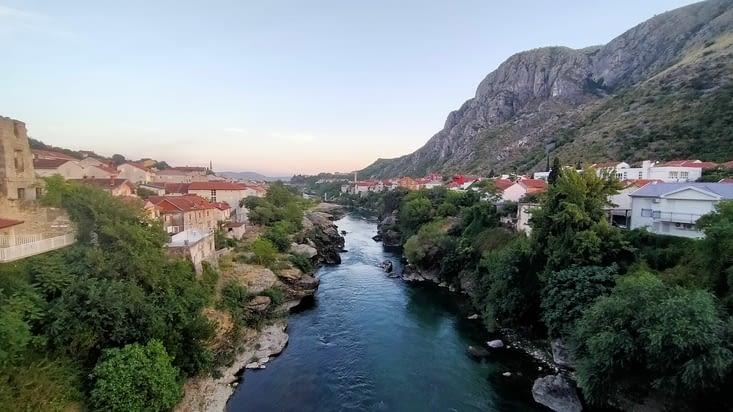 Une dernière vue sur les rives de la Neretva