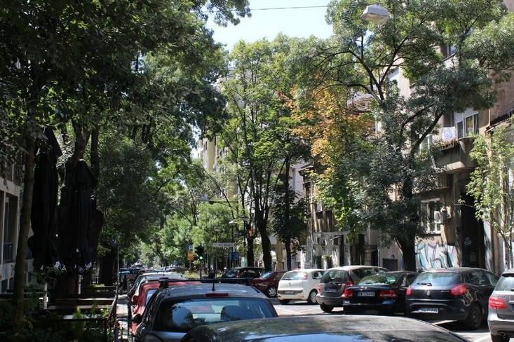 Sur la route de l'église Saint Sava