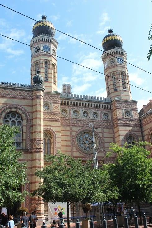 La grande Synagogue de la ville
