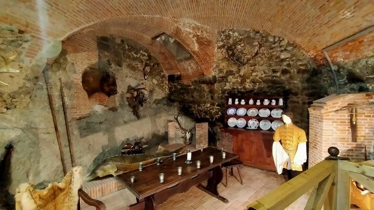 Musée avec des mises en scène de la vie au chateau