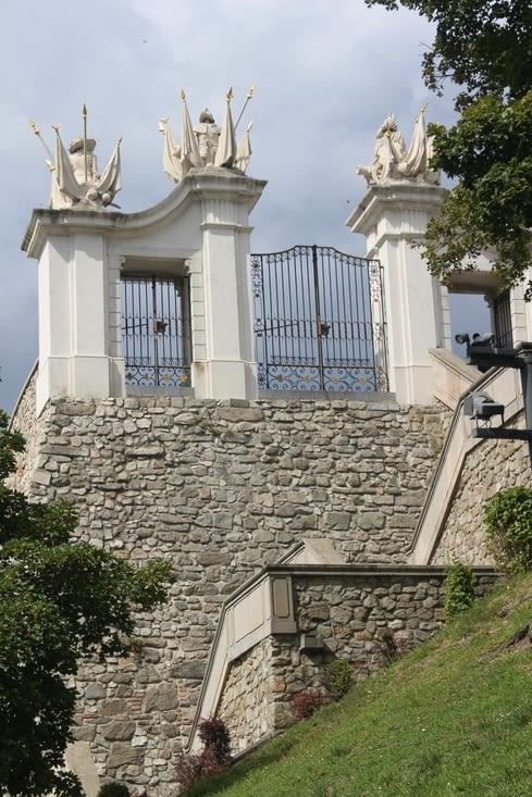 Un des portails du chateau