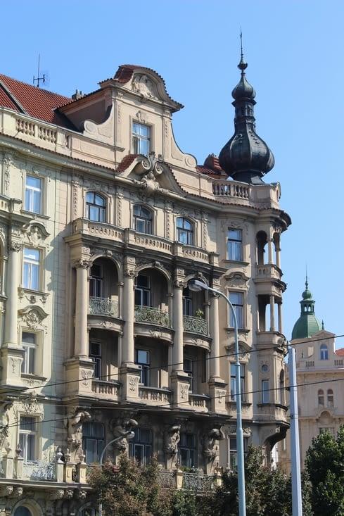 Bâtiment sur les quais de la Vltava