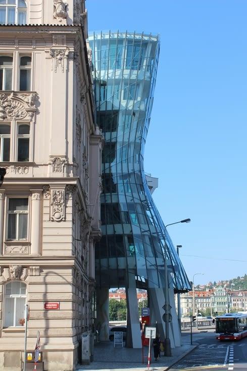 La maison dansante de Frank Gehry et Vlado Milunic