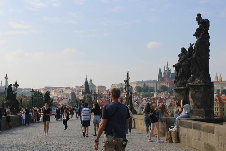 Le pont Charles IV avec ses nombreuses statues