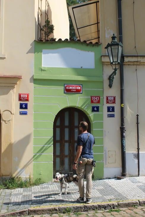 Où l'on peut voir la plus étroite maison de Prague