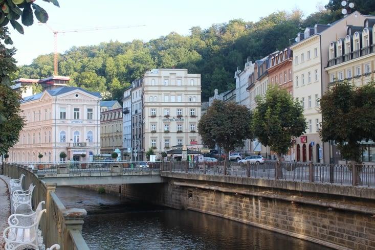 Le principal de la ville s'organise autour de la rivière Teplà