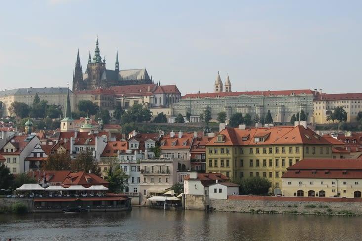 Vue sur le château depuis le pont