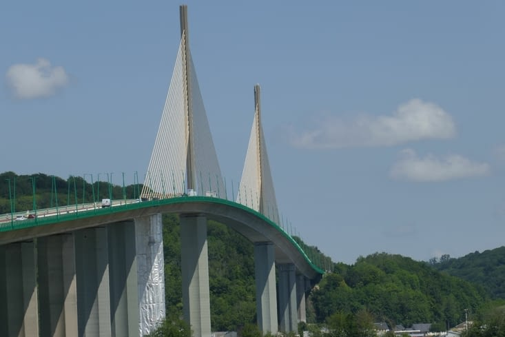 Et le pont de .... non non pas Millau... Brotonne