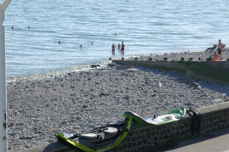 et la plage se remplie....