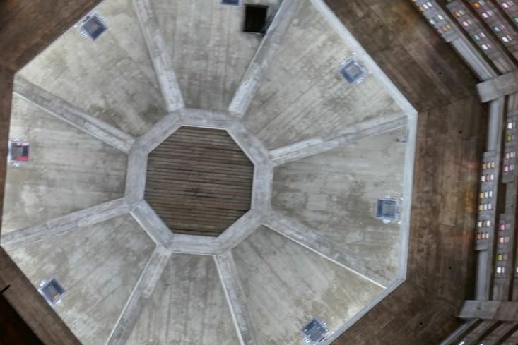 le haut de la tour