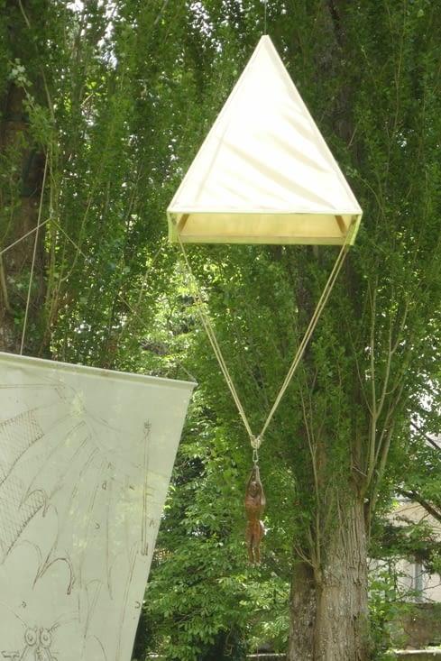 Le Parachute.... qu'il avait imaginé pour... VOLER et non pour atterrir !!