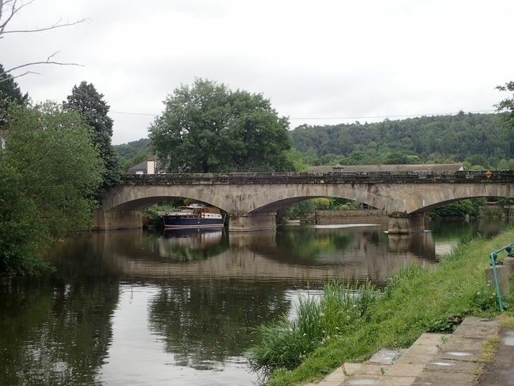 Le canal se fait de plus en plus large. Il est maintenant tout à fait navigable.