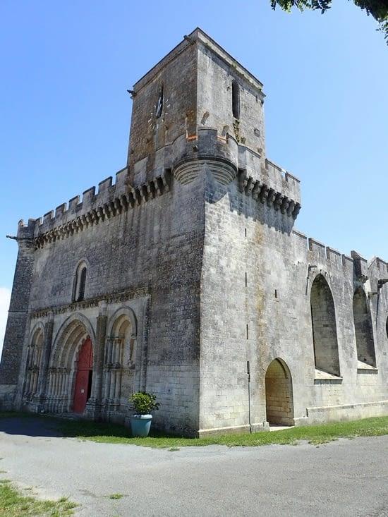 L'église d'Esnandes.