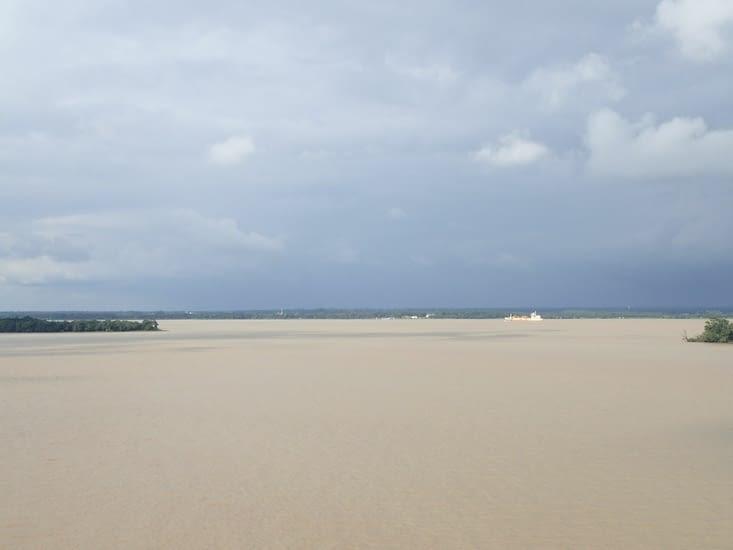 La Gironde vue de la Citadelle de Blaye.