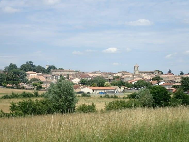 Les toits de Sauveterre-de-Guyenne.