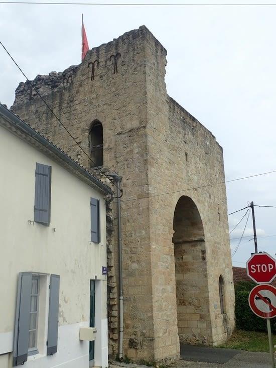Une des portes de la ville.