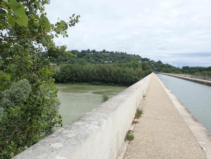 Le pont canal d'Agen.