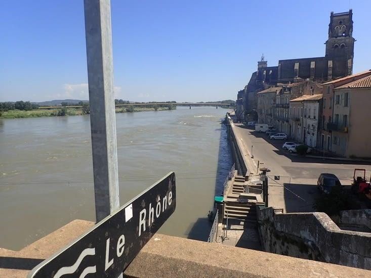 Le Rhône à Pont-Saint-Esprit.