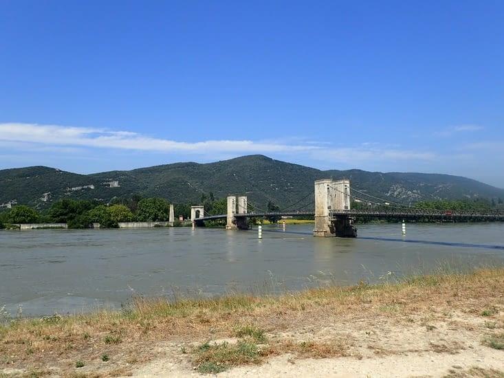 Le pont sur le Rhône à Donzère