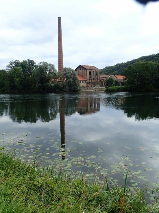 Plusieurs papeteries étaient autrefois installées au bord du Doubs.