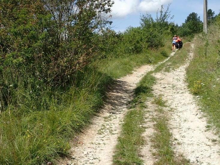 Le sentier entre Ailly-Sur-Meuse et Saint-Mihiel. Errare GPSUm est...