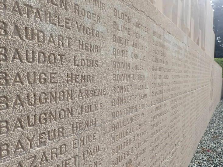 Verdun. Monument aux morts.
