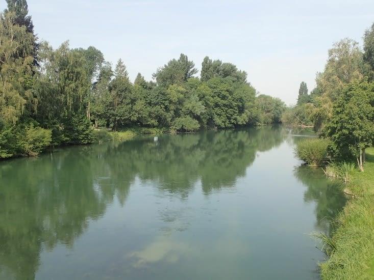 La Meuse à Mouzon.