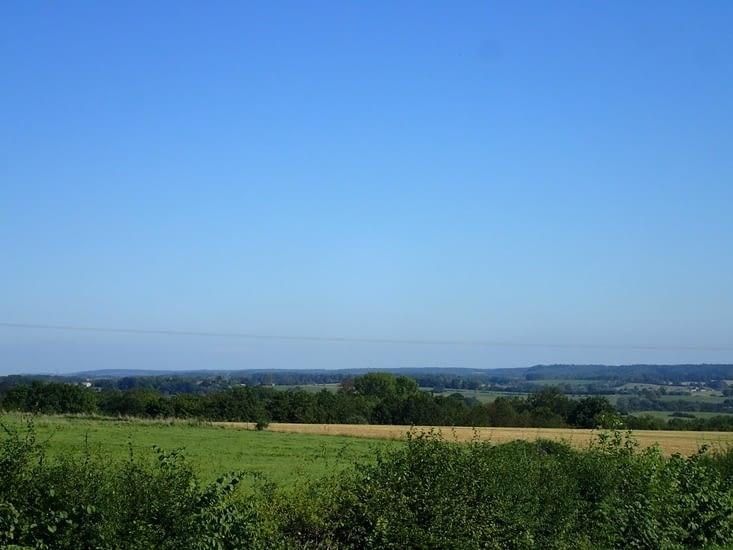 Et au loin, la forêt de Sibny-L'Abbaye.