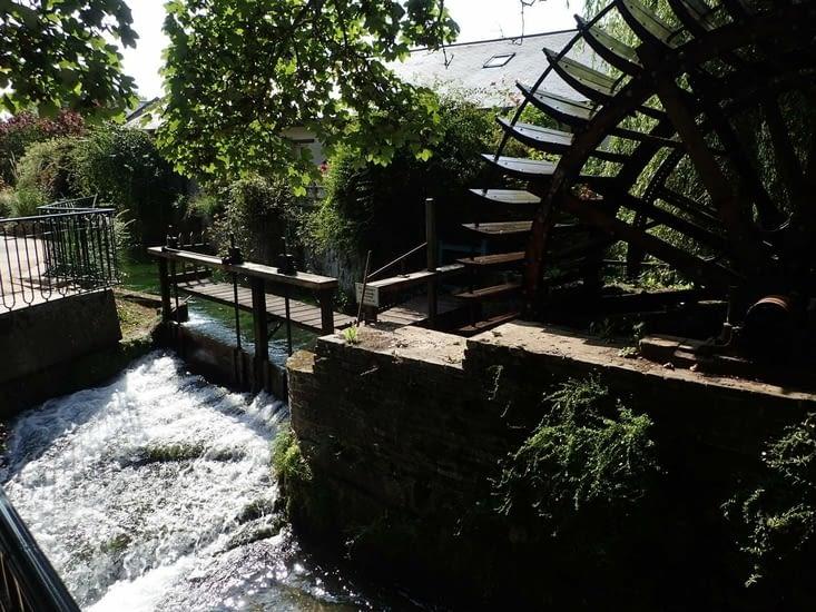 La Veules est avec ses 1.149 mètres,  le plus petit fleuve de France.