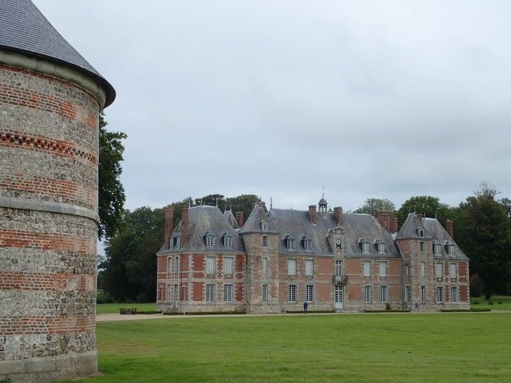 Le château de Janville.