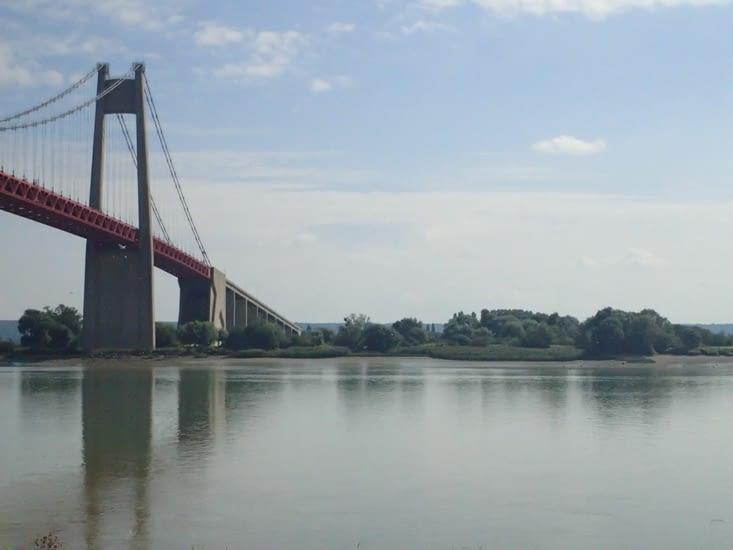 .Le pont de Tancarville.
