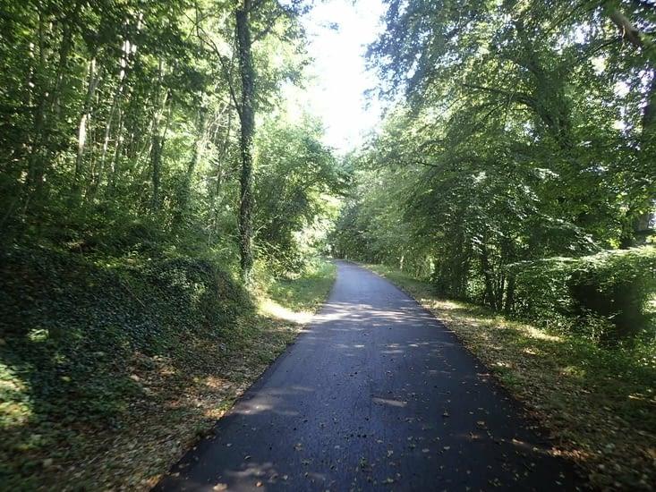 La voie vertes qui mène à Duclair,