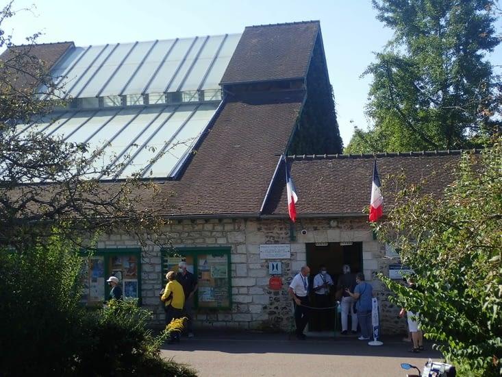 L'entrée de la maison et des jardins de Claude Monet à  Giverny.