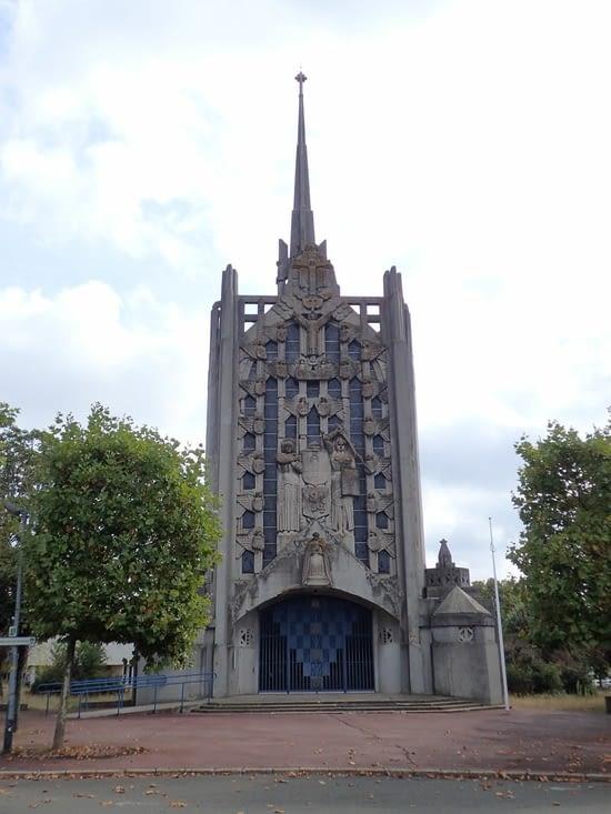 L'église d Aubergenville.