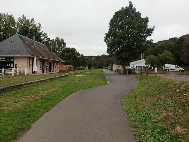 L'ancienne gare de Thury-Harcourt sur la voie verte.