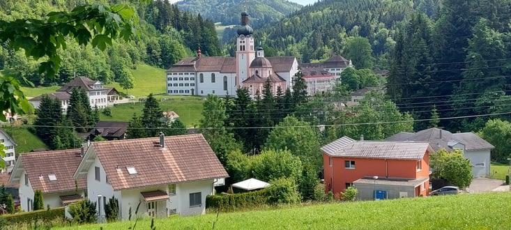 L'abbaye de Fischingen, dans son écrin