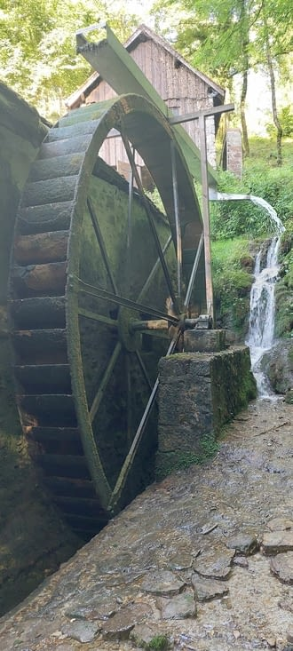 Le moulin, qui ne presse aujourd'hui que de l'huile de noix et noisettes