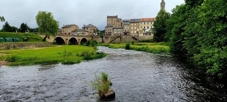 Et Le Lignon, affluent important de La Loire.