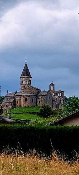 Au loin,St Julien